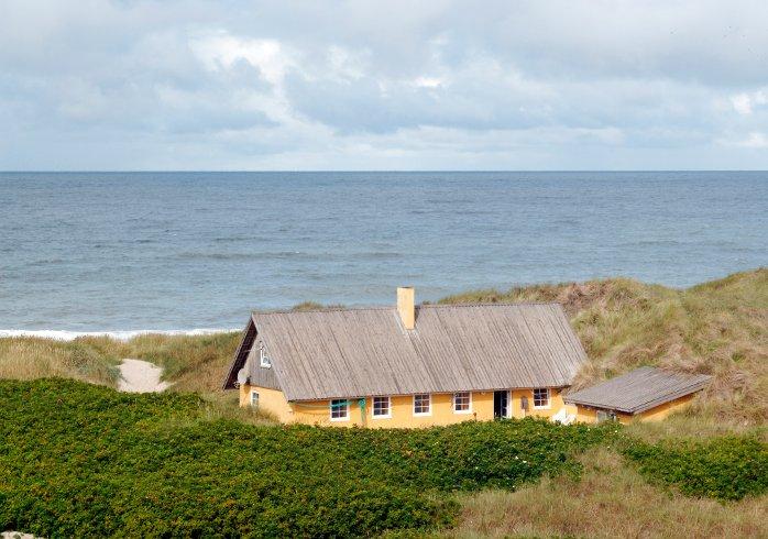 Het vakantiehuizenblog van atraveo de droom van het huis aan zee - Modern huis aan zee ...