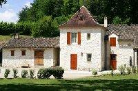 Landhaus am Bach in der Dordogne