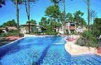 Ferienanlage mit Pool in Aquitanien