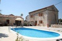 Pool villa with virtual tour