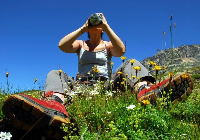 Wandelen door de bergen in Oostenrijk