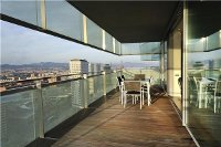 Luxurious apartment over the roofs of Barcelona. Property no. 745773.