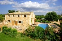 Typical Majorcan finca made of natural stone. Property no. 391049.