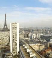 Vue sur la tour Eiffel : agréable appartement pour deux personnes situé dans le 16e arrondissement.
