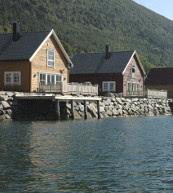 Bei Ålesund finden Sie diese direkt am Wasser gelegenen Fischerhütten inklusive eines bestens für Angeltörns ausgestatteten Motorbootes.