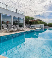 Pool villa for 8 people on the Algarve