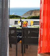 Ausblick auf die Steilküste von einem Apartment für vier Personen bei Carvoeiro.
