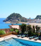 Apartment near the beach in a holiday complex in Tossa de Mar.
