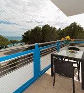 Apartment located directly by the beach in Miami Platja.