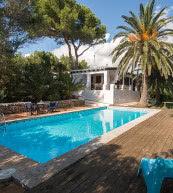 Villa pour huit personnes avec piscine située à Es Grau.