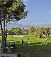 Cet appartement pour six personnes se trouve tout près du terrain de golf de Marbella.