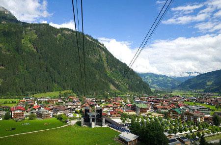 Blick auf Mayrhofen und das Zillertal