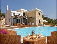 Ferienhaus mit Pool für 12 Personen auf Korfu