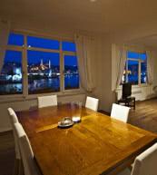Von diesem Appartement genießt man direkten Blick auf den Bosporus und das Goldene Horn.
