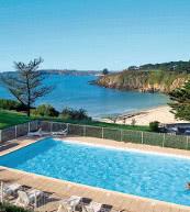 An der Bucht von Iroise gelegene Ferienanlage mit direktem Zugang zum Strand.