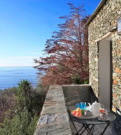Toller Blick auf das Mittelmeer von einem Ferienhaus für sechs Personen im Norden von Korsika.