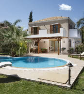 Poolvilla für bis zu sechs Personen an der Nordküste von Kreta