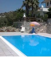 Diese Ferienwohnung für 4 Personen mit Pool bietet einen ruhigen, entspannten Urlaub.