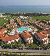 Direkt am Strand gelegener Ferienpark in Lido Altanea.