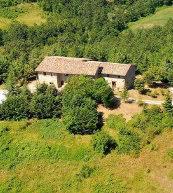 Ce domaine rural situé au cœur de la nature peut accueillir 30 personnes.