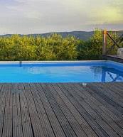 Pool eines abgeschieden gelegenen Landhauses für bis zu zwölf Personen bei Arezzo.