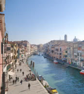 Am Canale Cannaregio gelegenes Apartment für drei Personen.
