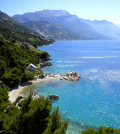 Holiday accommodation for six people in Dalmatia, located directly at the beach.
