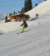 Ski and winter vacation in a holiday home or a holiday apartment. Beautiful pistes in Austria.