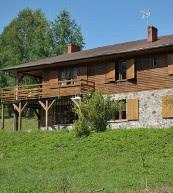 Auf einem großen Grundstück gelegenes Ferienhaus für bis zu 14 Personen an der Ostsee.