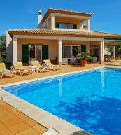 Poolvilla für acht Personen an der Algarve.