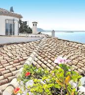 Direkt an der Steilküste gelegene Ferienvilla für sechs Personen in Andalusien.