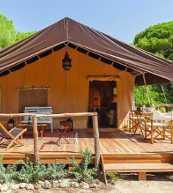 Luxus-Safarizelt für vier Personen an der Costa de la Luz.