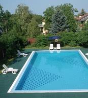 Chalet con piscina para diez personas a orillas del lago Balaton.